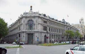 velká nemovitost na hlavním náměstí