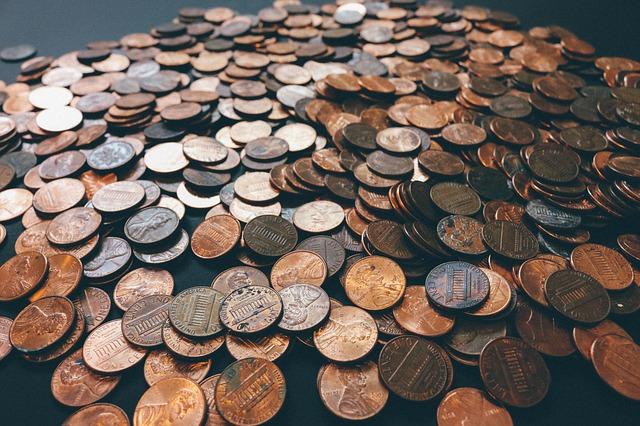 peníze ihned na hromadě