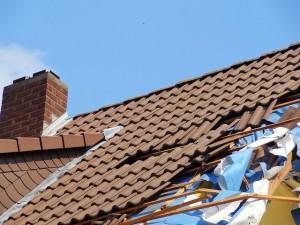 Pojištění i na rozbitou střechu