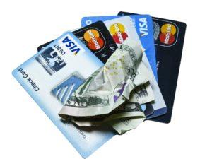 zmuchlané peníze a karty
