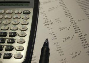Je lepší sledovat úrok, nebo RPSN? A čím se obě možnosti liší?
