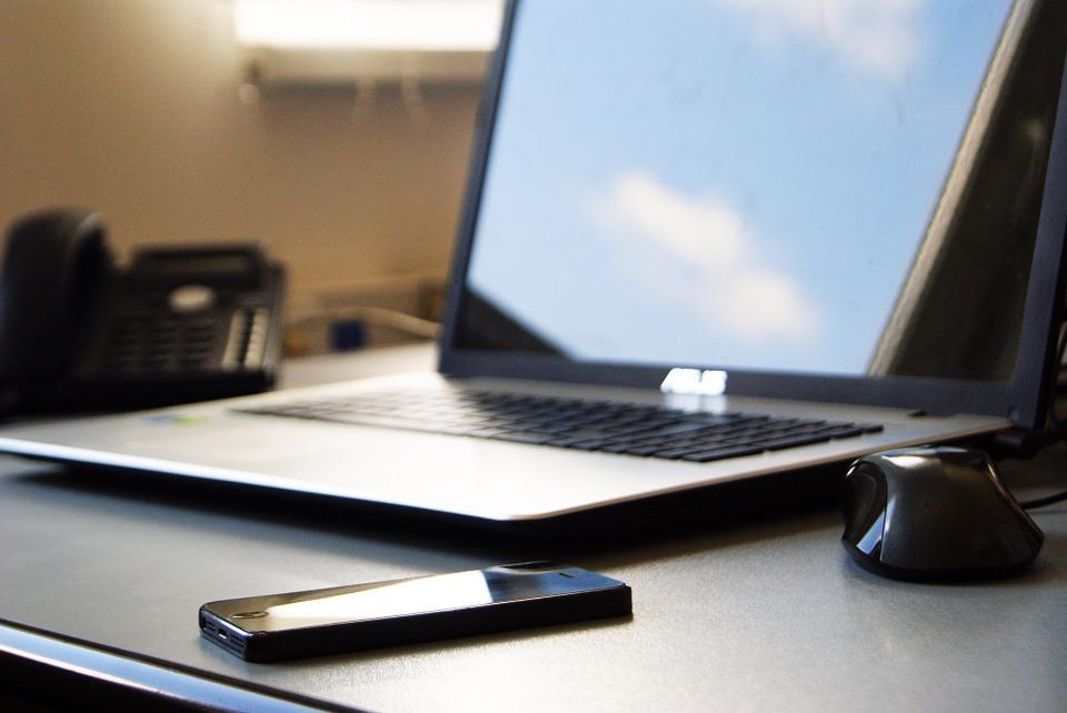 Studentská půjčka může pomoci financovat i nákup výpočetní techniky