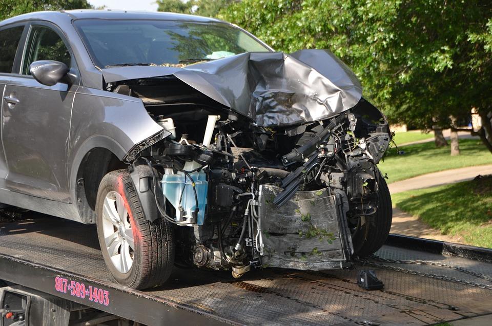 Mezi nejznámější pojištění auta potří havarijní pojištění a povinné ručení