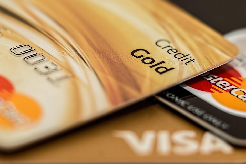 Mezi nevýhodné půjčky může patřit i kreditka